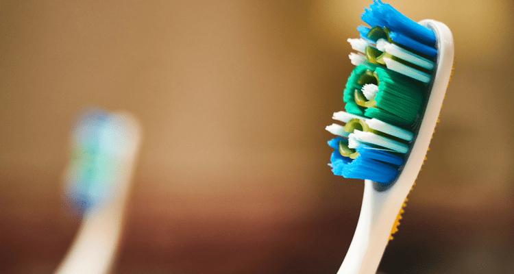 ¿Cuándo cambiar tu cepillo de dientes?
