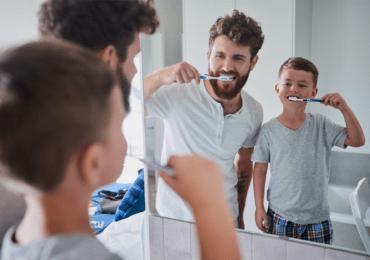 Como debemos cepillarnos correctamente los dientes