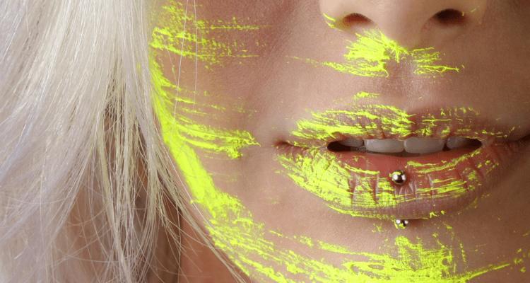 Los riesgos de ponerse piercings en labios o lengua